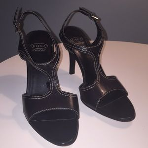 Size 7 leather Joan & David heels